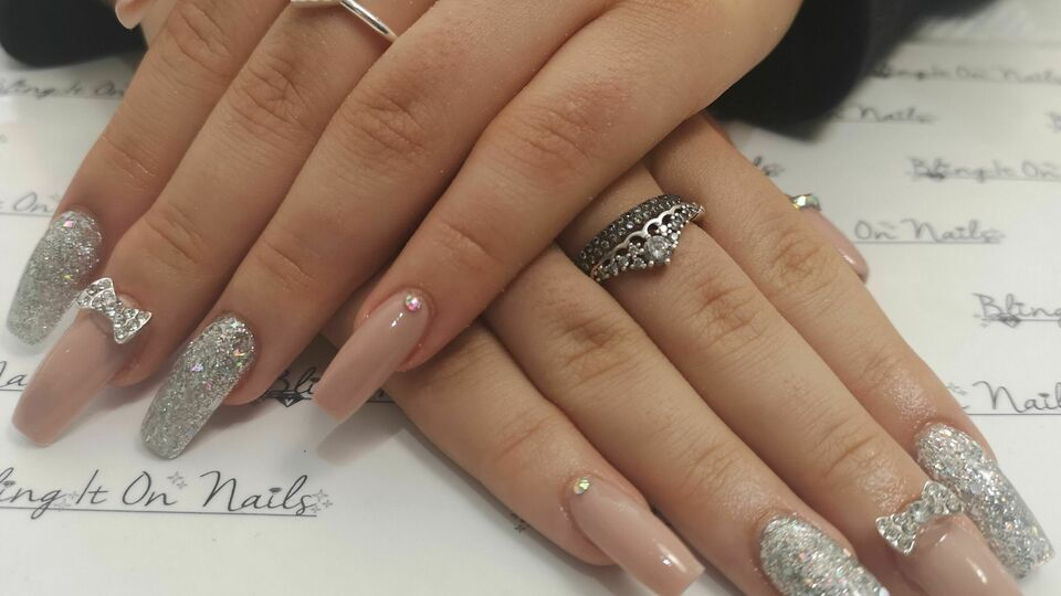 Bling It On Nails-Salon 16