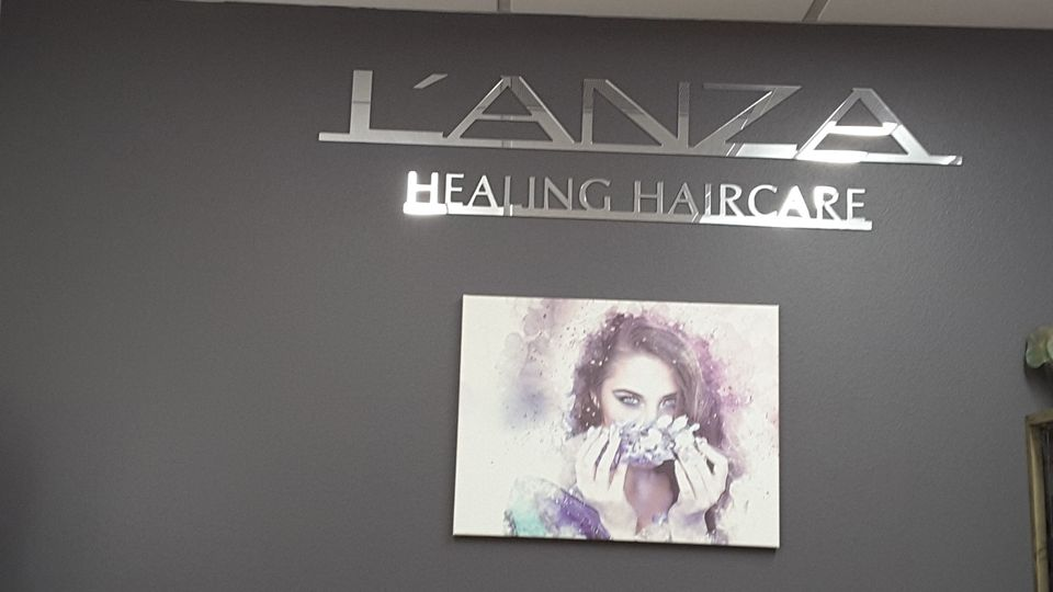 Ami Hardy @ Simply YOU~Nique Salon  in 5th Ave Salon Suites
