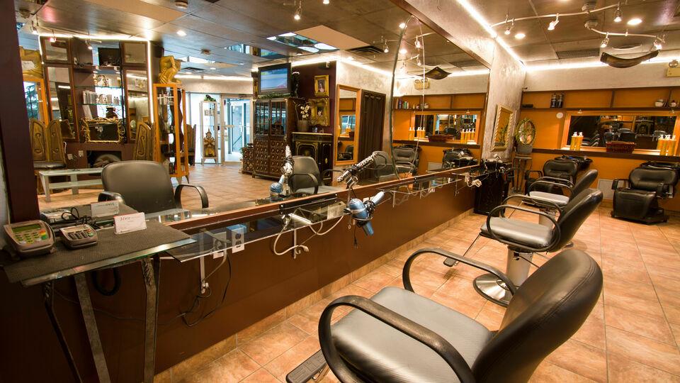 Hatz Hair Studio