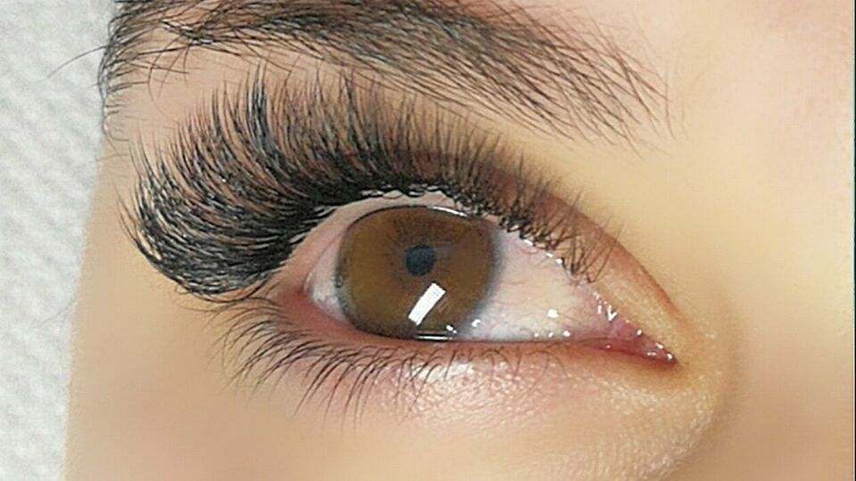 "Beauty Zone / ""Lashes By Jovita"""