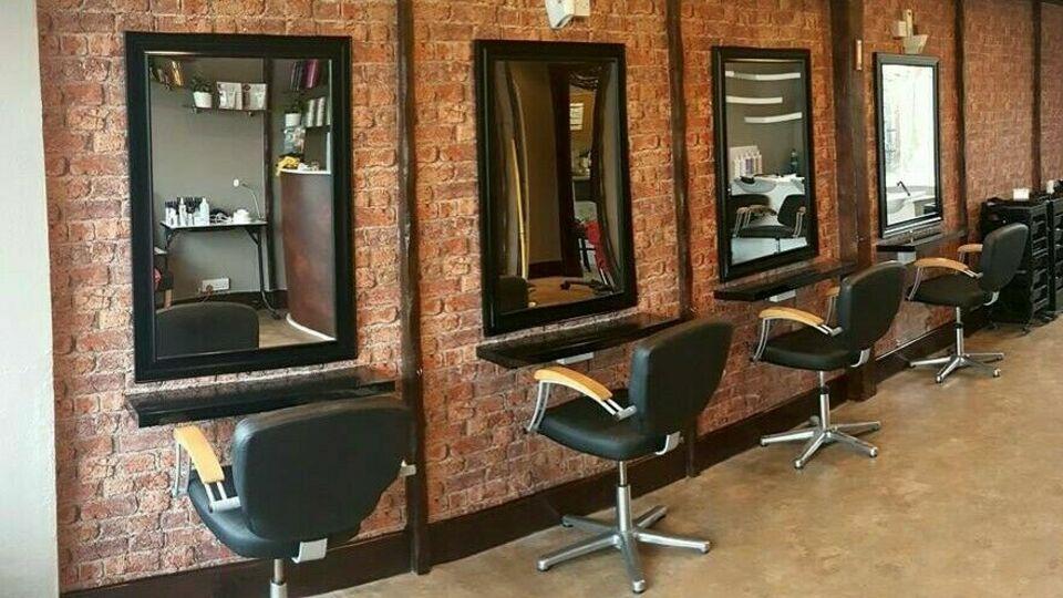 Salon Seventy four