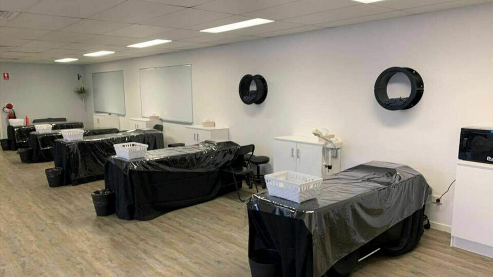 Demi International - Maroochydore: Remedial Massage Academy